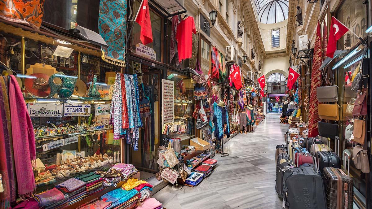 تور استانبول بازار بزرگ