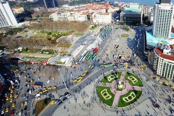 نمایی-از-بالای-میدان-تکسیم-استانبول