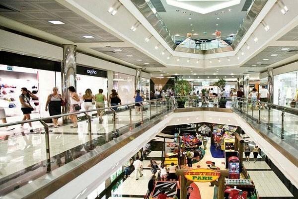 نمایی-از-مرکز-خرید-میگروس -نتالیا