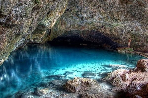 نمایی-زیبا-از-غار-کاراجا-کوش-آداسی