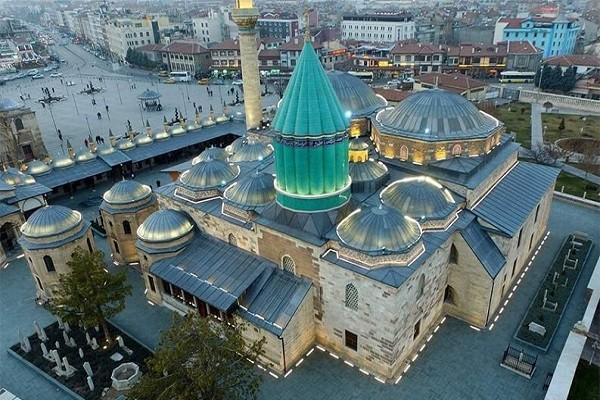 مقبره-و-آرامگاه-مولانا-در-قونیه