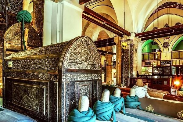 قبر-حضرت-مولانا