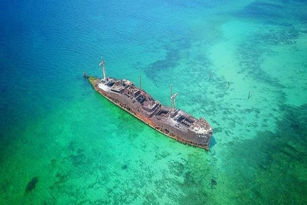 بازدید از کشتی یونانی در تور کیش مهر 1400