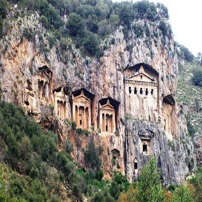 آرامگاه صخره ای ساریان مارماریس