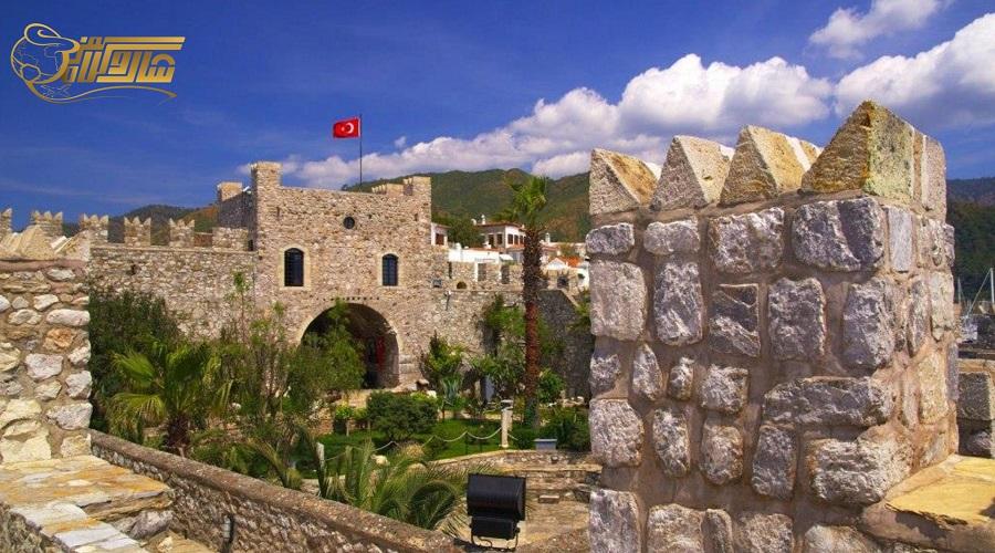 قلعه و موزه در تور مارماریس