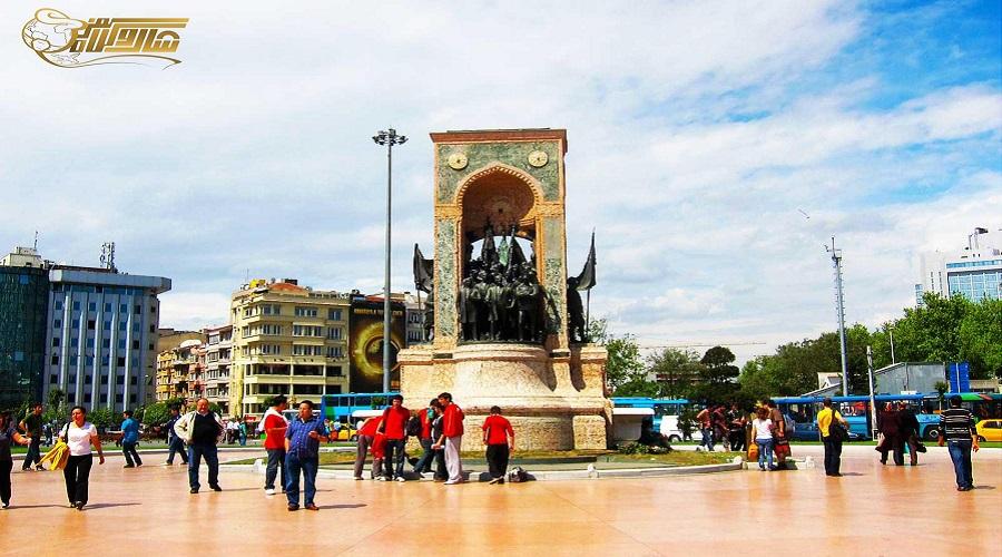 میدان تکسیم در تور استانبول