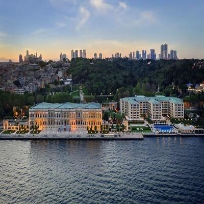 چراغان پالاس استانبول