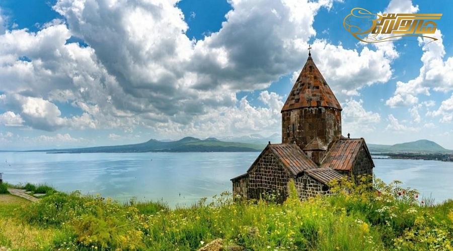 بازدید از دریاچه سوان در تور ارمنستان