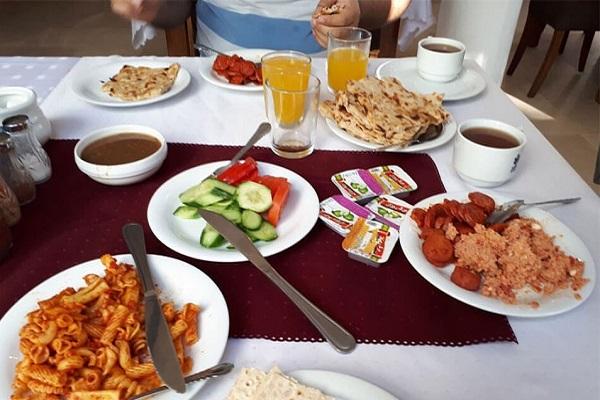 صبحانه هتل لوتوس کیش