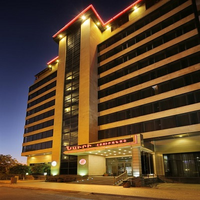 هتل بومو نایری ایروان